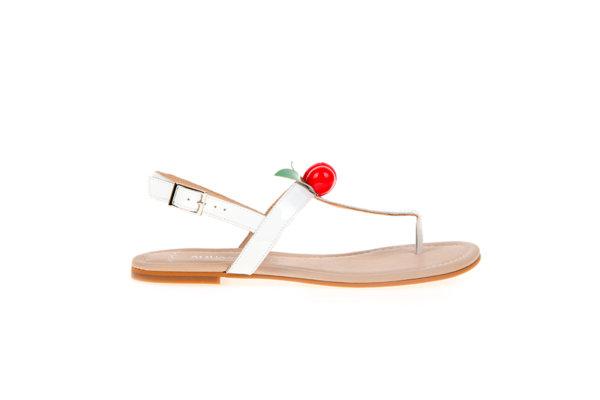 Дамски сандали Aquamarine в бяло