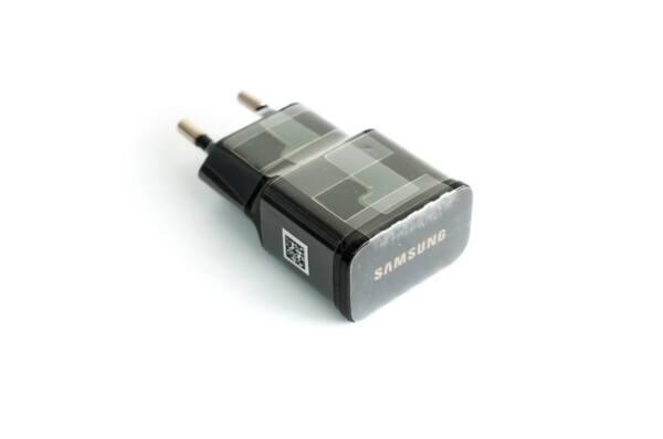Адаптер Samsung ETA-U90EBE 10W - нов, оригинален