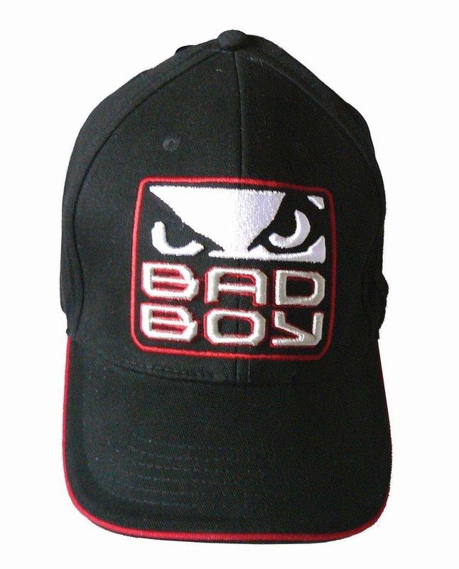 Шапка с козирка Bad Boy