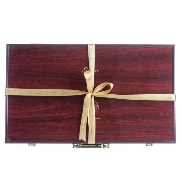 Подаръчен Комплект-Дървенна кутия с Вина