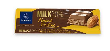 Бадеми в Пралина Млечен Шоколад Leonidas 30% 50гр.