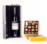 Луксозна Единична Кутия с Вино и Аксесоари и Шоколадови Бонбони Leonidas (примерно 700 гр.)
