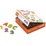 Дървени магнитни английски букви и цифри - 77 броя, Viga Toys