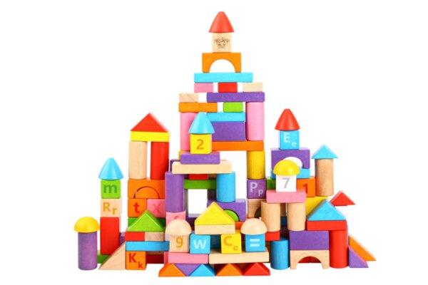 Дървен конструктор от каучуково дърво - 135 части с букви и цифри, Tooky toy