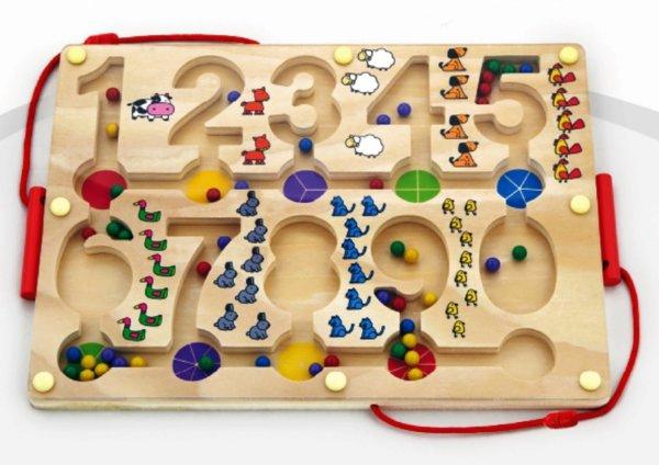 Магнитен лабиринт с цифри, Viga toys