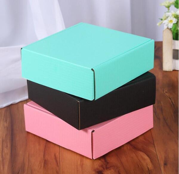 Розови кутии