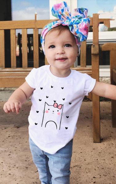 """Детска бяла тениска за момиче с щампа """"Cat hearts"""""""