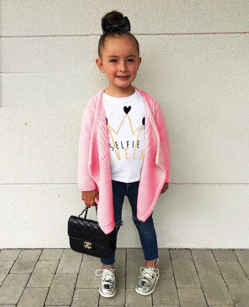 "Детска бяла тениска за момиче с щампа ""Selfie Queen"""