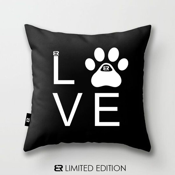 "Калъфка или възглавница Blazer Home с щампа ""Dog Love 2"""