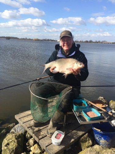 Английската легенда в риболова Денис Уайт оцеля след зараза с Covid-19!