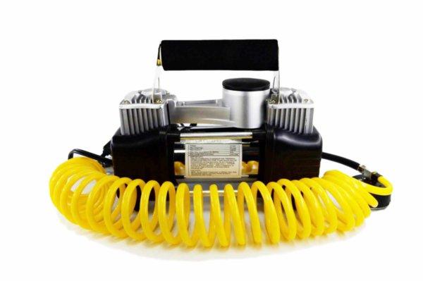 Двубутален компресор за кола с манометър и 3 накрайника - 60L/min