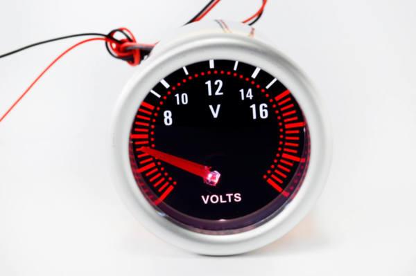 Измервателен уред Волтметър за автомобил