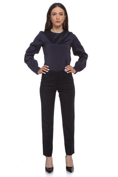 Черен панталон с прилепнал силует