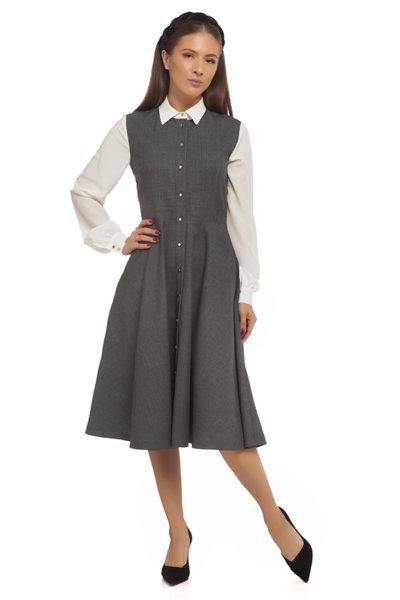 Разкроена сива рокля с копринен ръкав