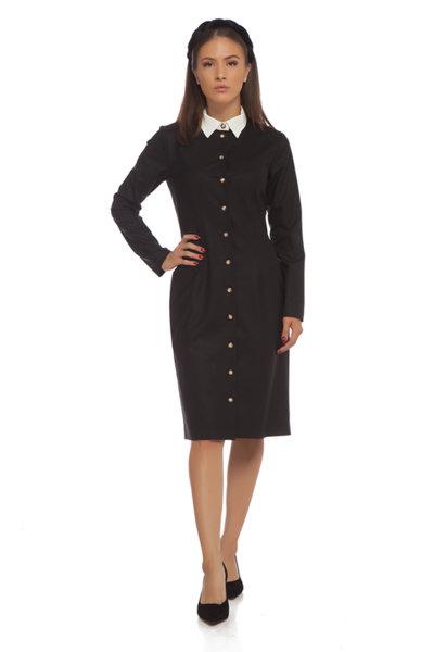 Леко вталена черна рокля с яка