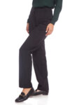 Черен панталон на сиво каре