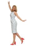 Бяло и синьо рокля с отворено V деколте
