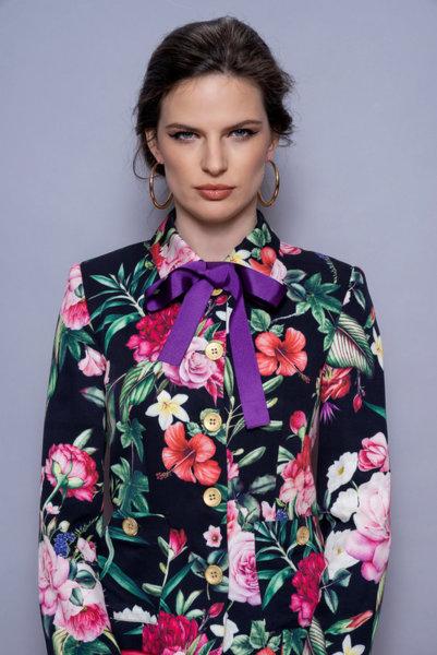 Късо сако на цветя