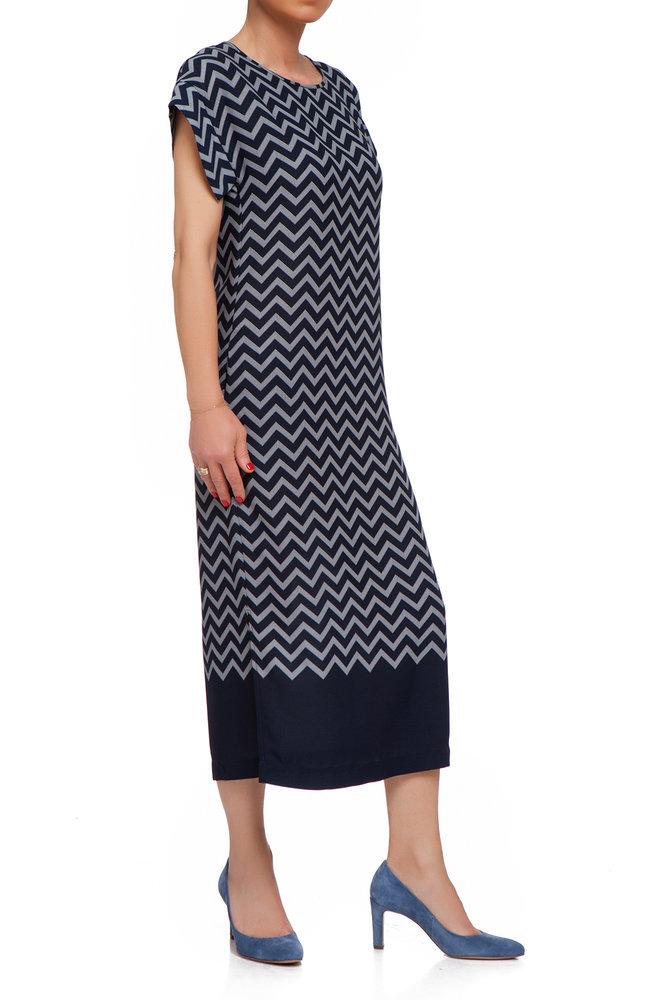 Тъмносиня рокля на зиг-заг
