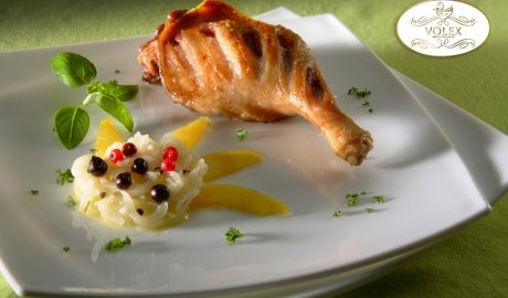 Cuisses de canard à l'oignon caramélisé et aux myrtilles