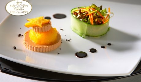 Duck liver jelly with mango and fresh vegetables