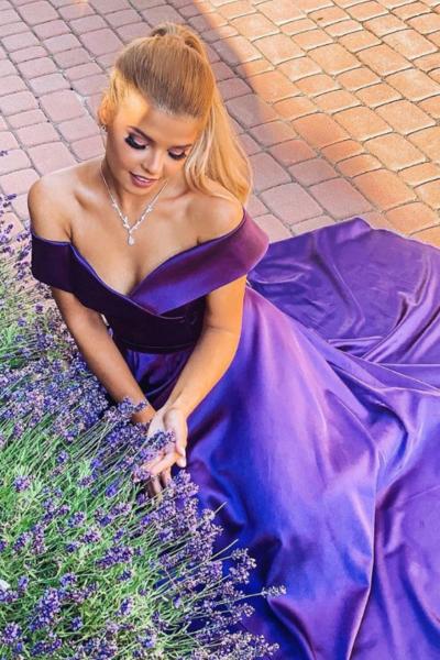 """Официална дълга рокля """"Alexandra"""" сатен цвят тъмнолилав"""