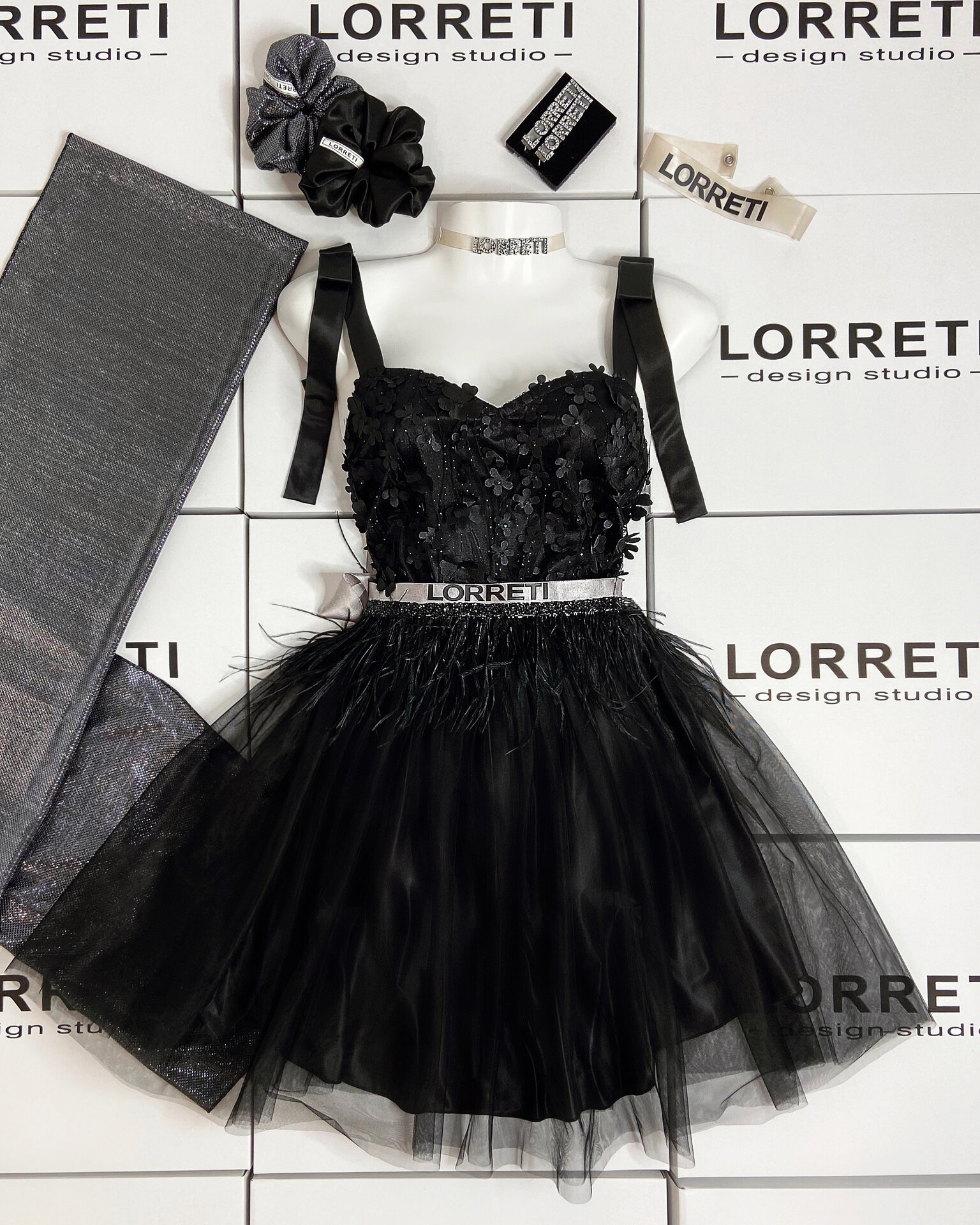 """Коктейлна къса рокля """"Mary"""" цвят черен"""
