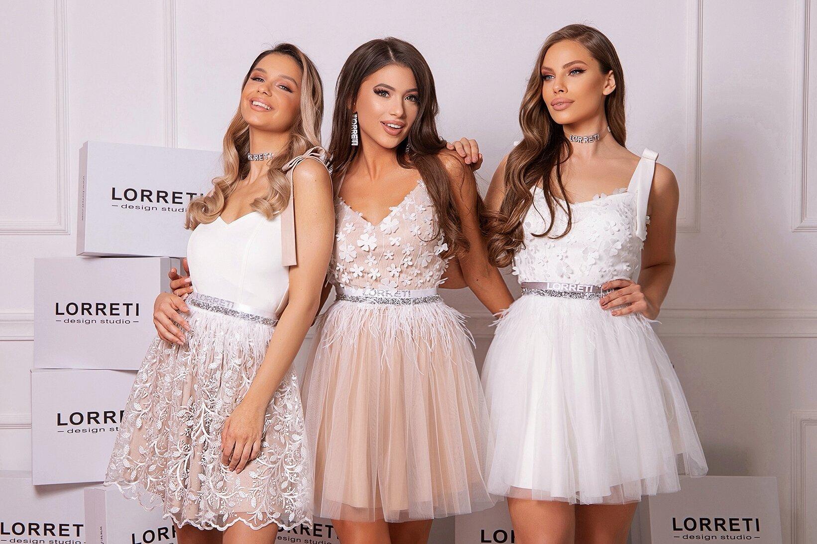 Коктейлна къса рокля цвят бял дантелена тюлена lorreti ивомила лора лилова