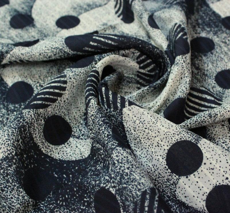 Плат шифон вискоза - щампа черно бели кръгове