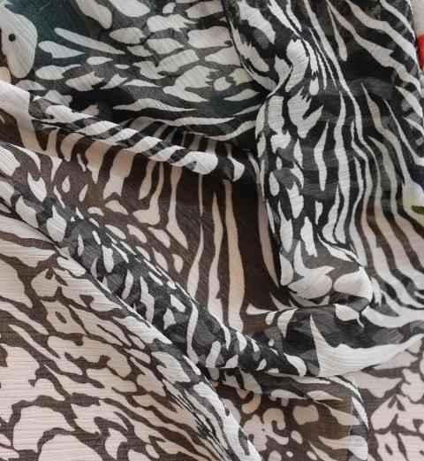 Плат шифон щампа - Тигров черно/бял
