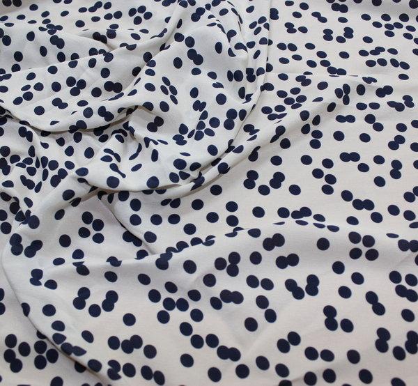 Естествена коприна на тъмносини точки