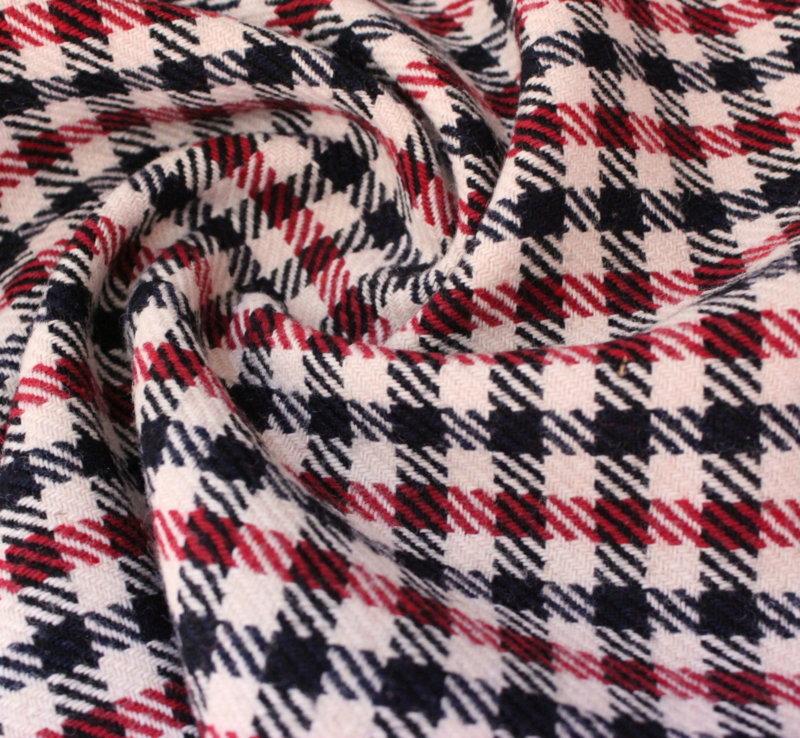 Плат вълнен каре - бяло, черно и червено