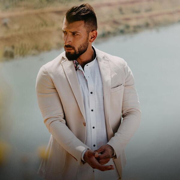 Модата през 2021 за летни мъжки дрехи