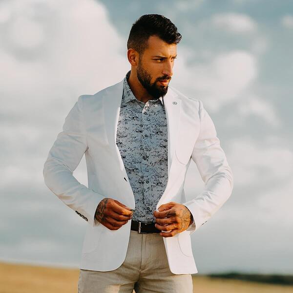 Традиция или екстравагантност при избор на мъжкото сако?