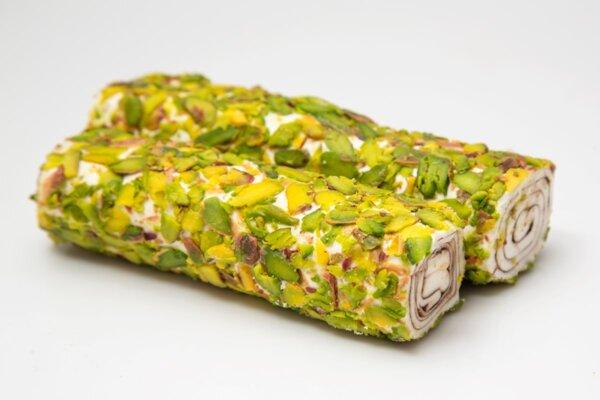 Локум Султан Сърма с нуга, филиран шамфъстък и шоколад