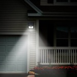 Соларна LED лампа с датчик за движение