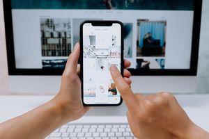 Телефони iPhone 2 - екран