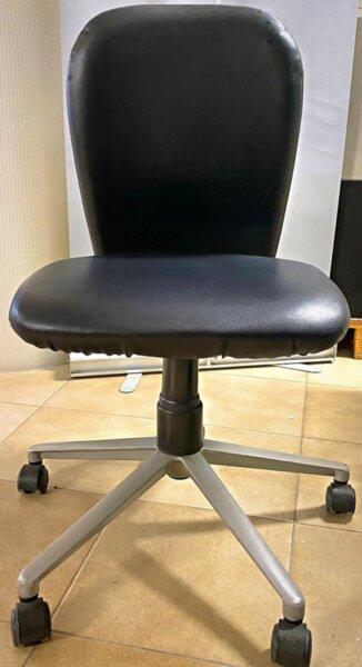 Μεταχειρισμένη καρέκλα μαύρη Dromeas