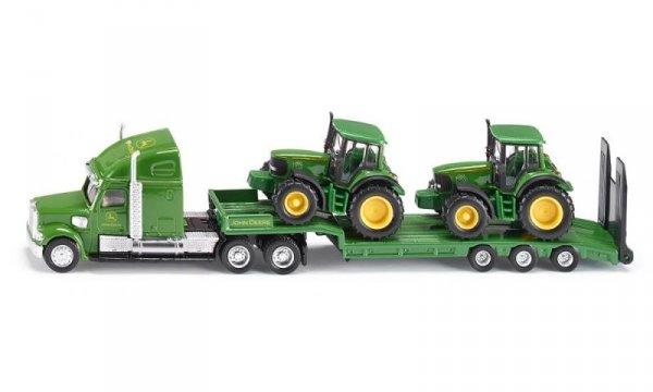 Камион с платформа и трактори John Deere