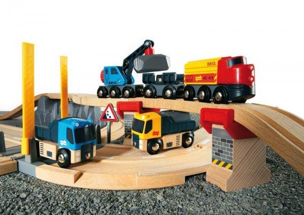 Влакче за строителни работи, релси и камиончета