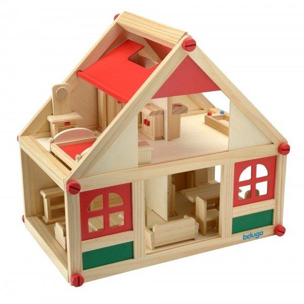 Дървена къща за кукли с аксесоари