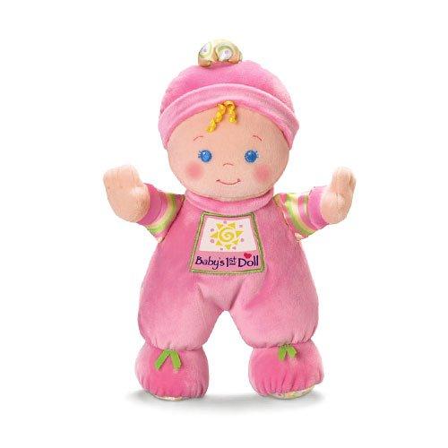 Първата кукла на бебето