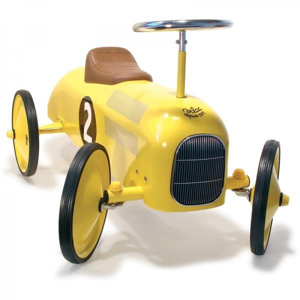 Метална кола жълта