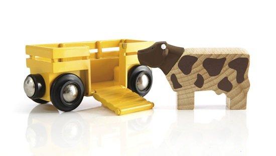 Товарно вагонче и крава