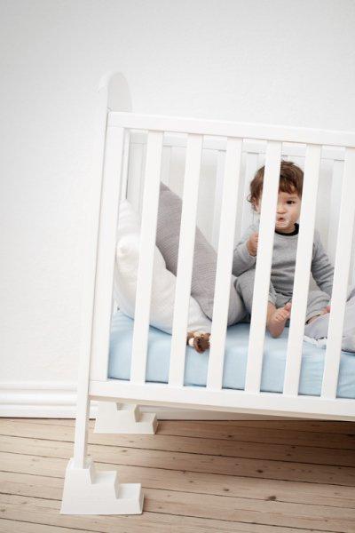 Стъпало за бебешко креватче
