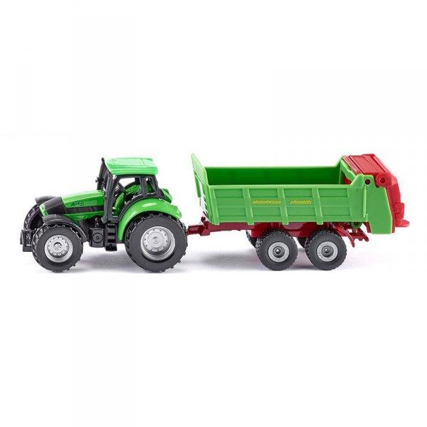 Трактор с ремарке за разхвърляне на торове