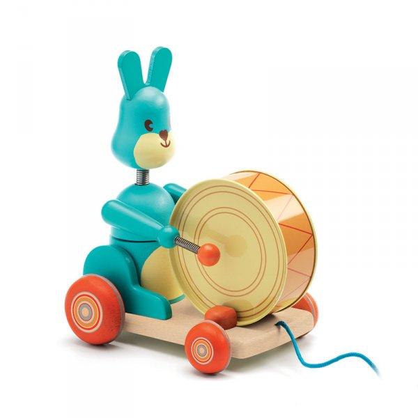 Дървена играчка за дърпане зайче с барабан