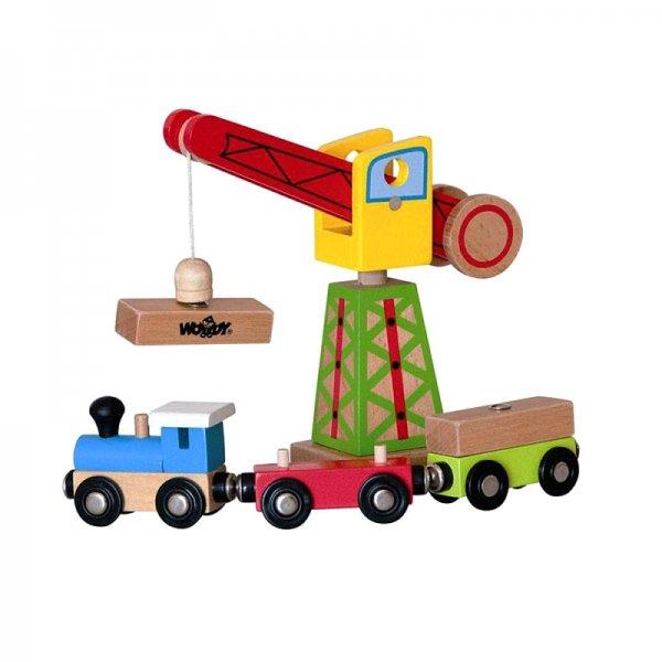 Кран с товарен влак