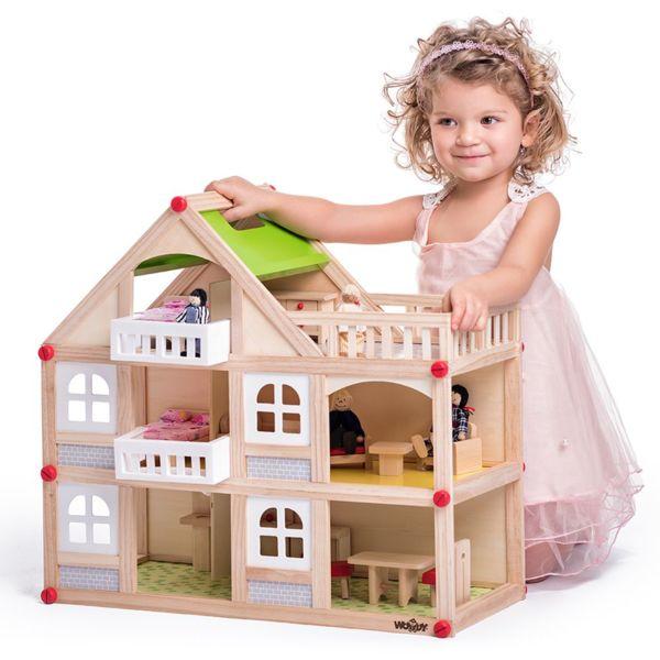Дървена къща с балкони и аксесоари - голяма