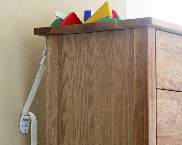Комплект за закрепване на мебели
